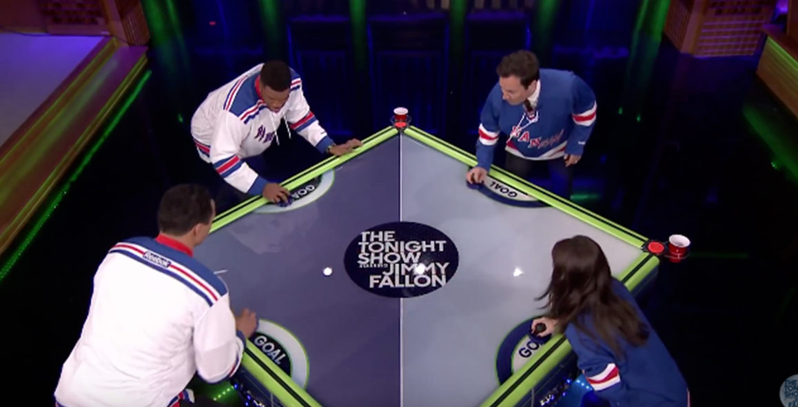 Jimmy Plays Air Hockey With Michael Strahan, Eve Hewson and Tony Gonzalez