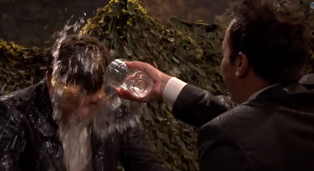 Jake Gyllenhaal VS Jimmy Fallon in Water War!