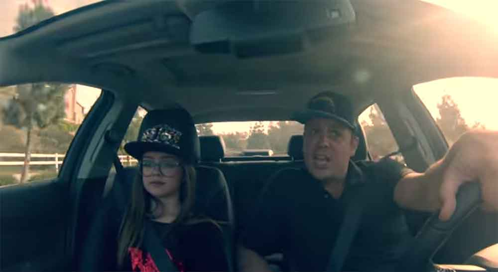 Awesome Father and Daughter Lip Sync Iggy Azalea in the Car