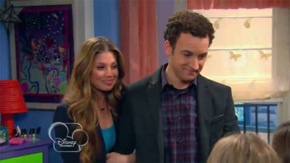 "The First Official ""Girl Meets World"" Teaser"