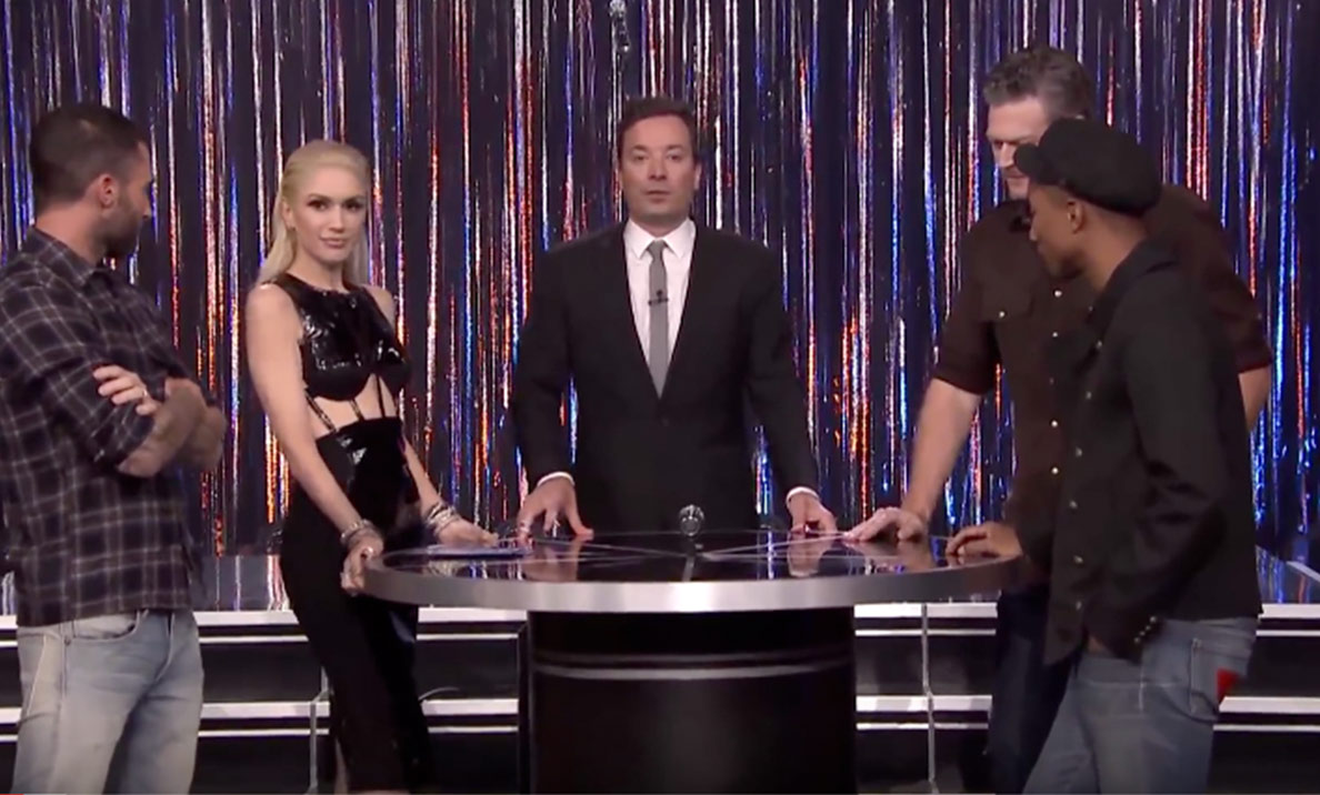 Blake Shelton, Gwen Stefani, Pharrell Williams & Adam Levine Play Spin The Microphone