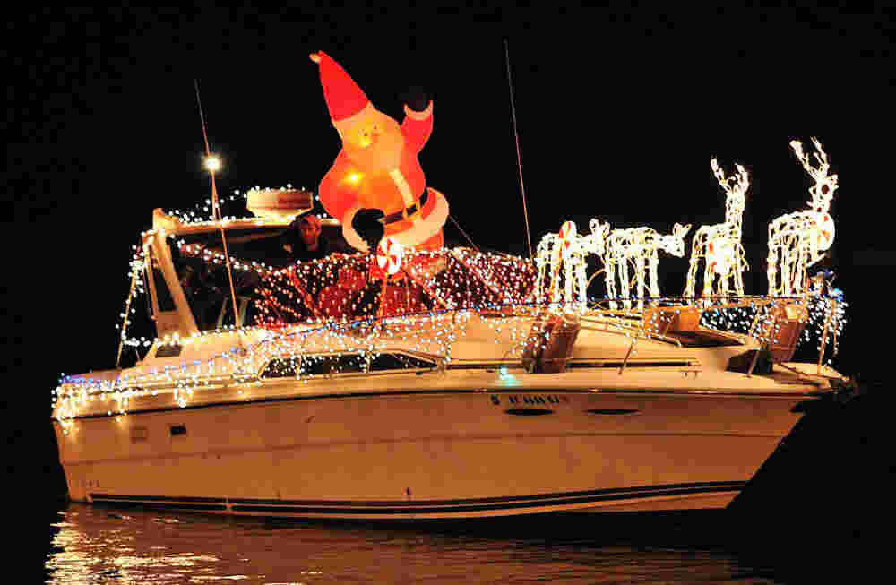 Christmas Season Starts on the Patchogue River