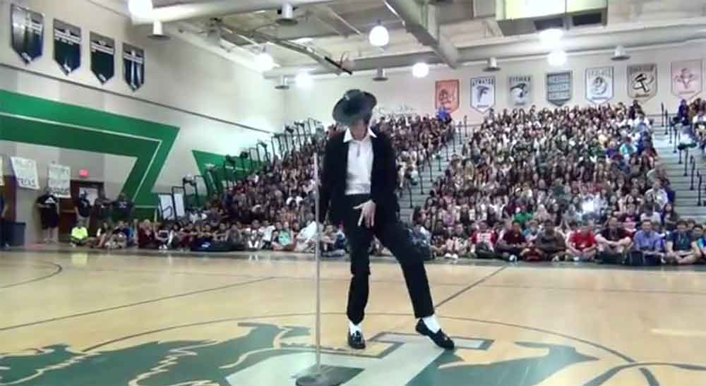 Kid Takes on Michael Jackson at High School Talent Show and Nails It