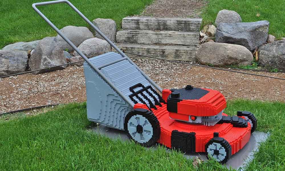 Proper Lawn Maintenance Tips and Tricks