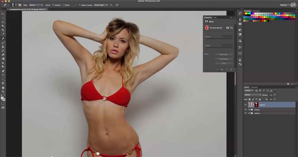 Photoshop Has Finally Gone Too Far ... Watch This Model's Unbelievable Transformation