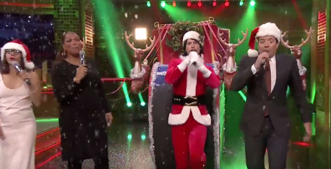 Jimmy Fallon & Rashida Jones Sing Holiday Parodies